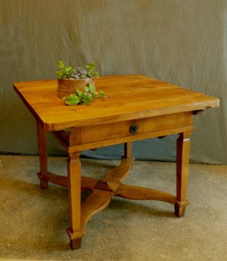 tisch antiquit ten am alten hof. Black Bedroom Furniture Sets. Home Design Ideas