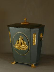 Kaminholz-Behälter