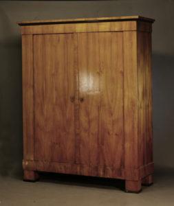 Großer Biedermeierschrank, um 1820/25