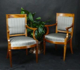 Paar Biedermeier-Stühle, um 1820