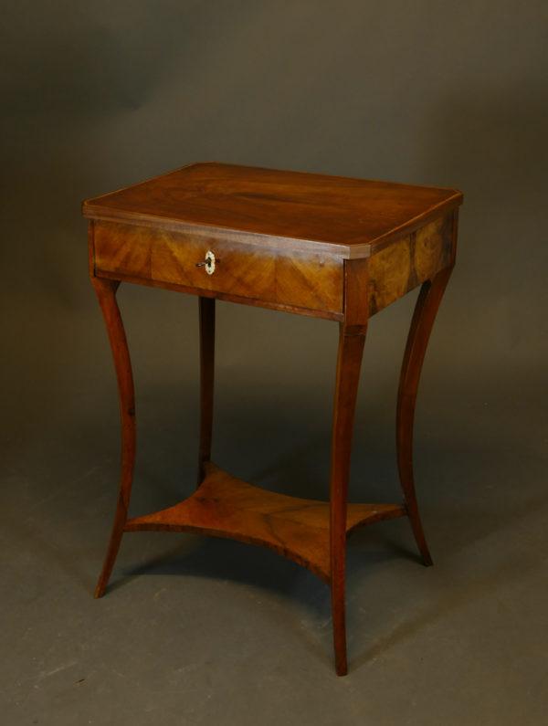 Biedermeier-Tischchen, um 1820/25