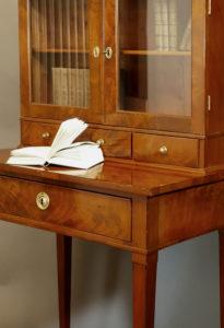 Aufsatztischchen, um 1800/10