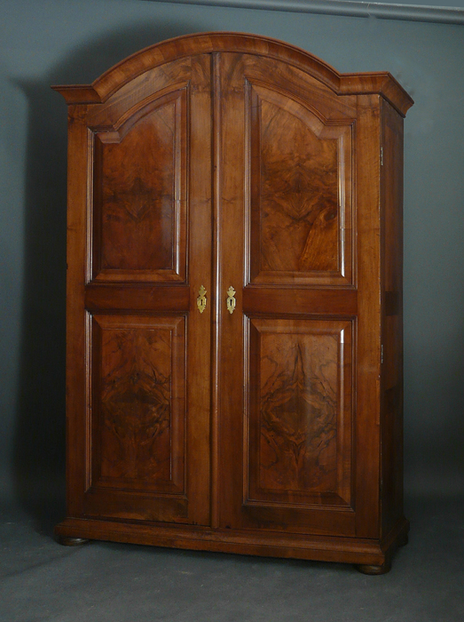 rundbogenschrank anfang 19 jahrhundert objekt v 510 antiquit ten am alten hof. Black Bedroom Furniture Sets. Home Design Ideas