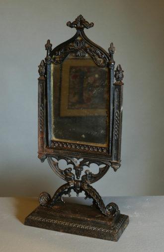 Kleiner schwenkbarer Spiegel, um 1835