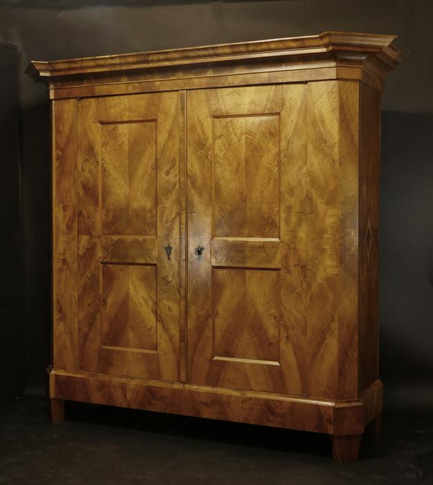 empire schr nke antiquit ten am alten hof m nchen m bel aus 3 jahrhunderten. Black Bedroom Furniture Sets. Home Design Ideas