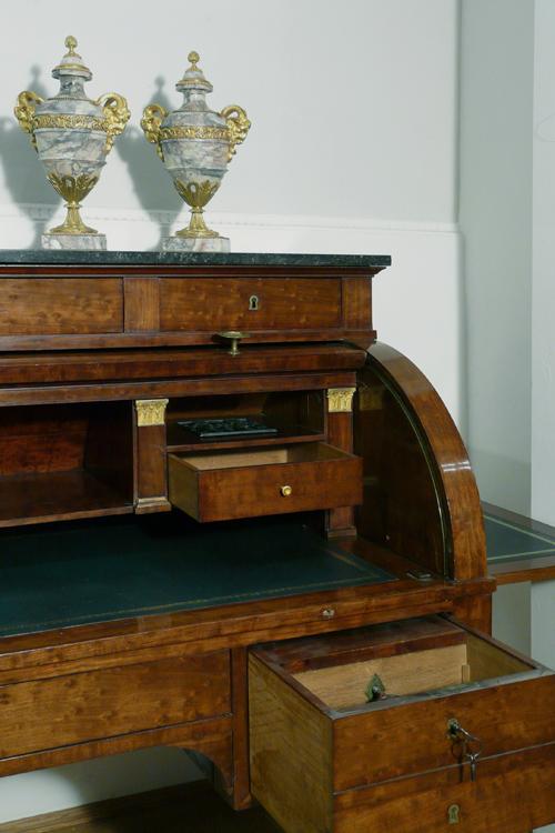 empire sekret re antiquit ten am alten hof m nchen. Black Bedroom Furniture Sets. Home Design Ideas