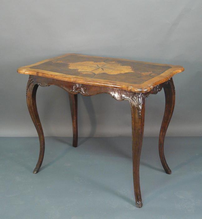 barock tische antiquit ten am alten hof m nchen. Black Bedroom Furniture Sets. Home Design Ideas